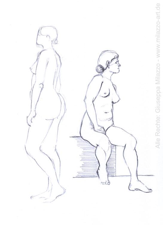 Model stehend und sitzend