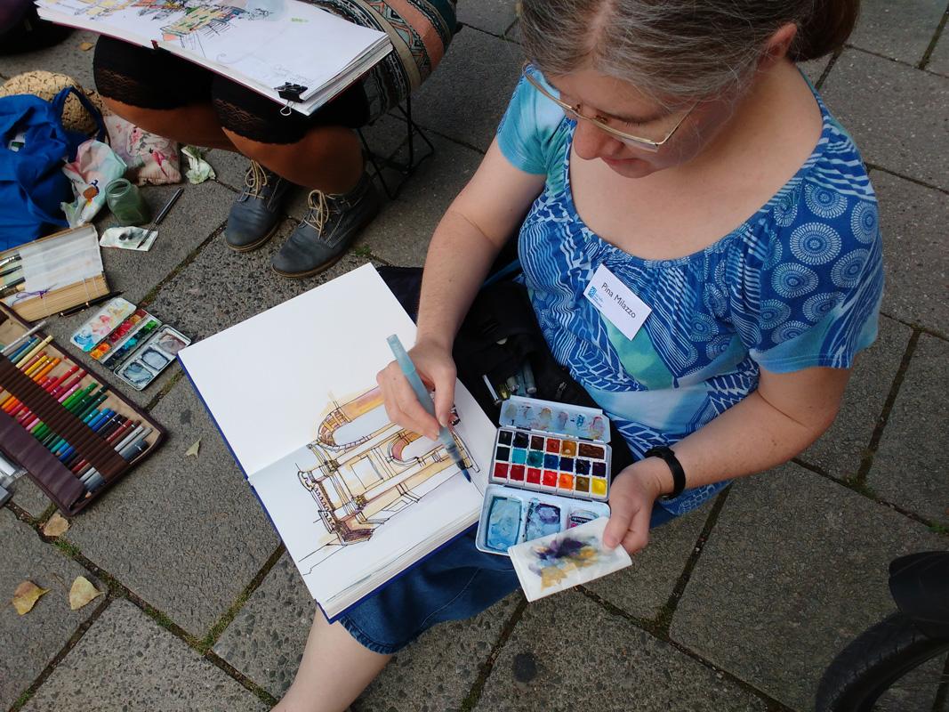 Pina beim Zeichnen (Vielen Danke an Tatjana Wolff für das schöne Foto)