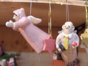 Engel mit Krawatte